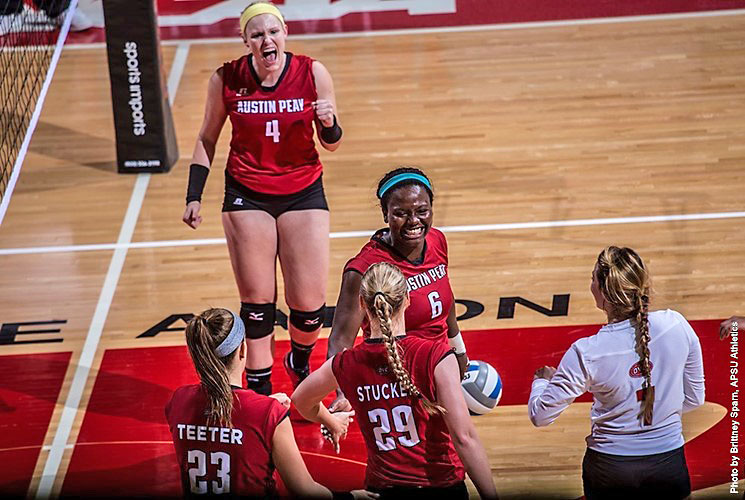 Austin Volleyball takes care of business at Eastern Illinois Friday night. (APSU Sports Information)