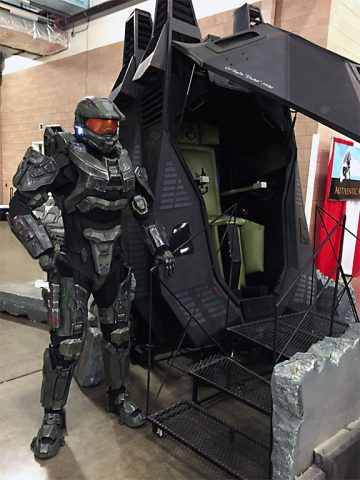 Master Chief and a pod.