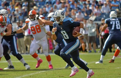 Tennessee Titans quarterback Marcus Mariota (8) carries the ball in the first quarter against the Cleveland Browns at Nissan Stadium on October 16th, 2016. (Jim Brown-USA TODAY Sports)