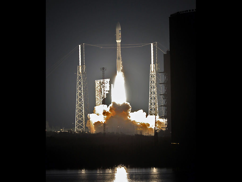 Revolutionary weather satellite blasts off