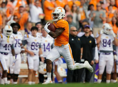 Tennessee Volunteers running back John Kelly (4) runs for a touchdown against the Tennessee Tech Golden Eagles during the first quarter at Neyland Stadium. (Randy Sartin-USA TODAY Sports)