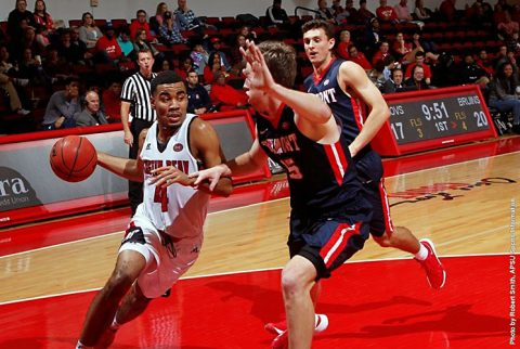 Austin Peay Men's Basketball junior guard Josh Robinson scores 27 points against Belmont December 31st, 2016. (APSU Sports Information)