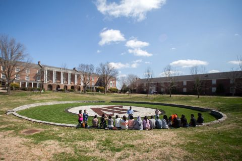 Students enjoy a beautiful spring day at Austin Peay State University. (Taylor Slifko, APSU)