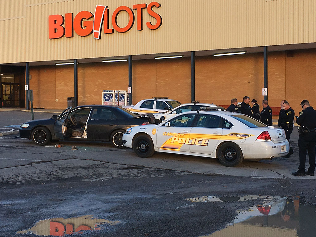 Clarksville Police Officers arrest Eric Todd Jackson in the Big Lots parking lot.