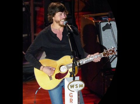 Chris Janson is holding up well as a headliner in the New Year.