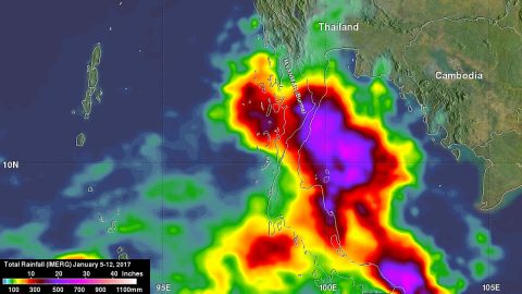 NASA calculated rainfall over southern Thailand from Jan. 5 to 12, 2017. Extreme rainfall totals of over 700 mm (27.6 inches) were found over the Gulf of Thailand. Highest totals over land were greater than 500 mm (19.7 inches) on the eastern coast of the Malay Peninsula in the Bang Saphan District. (NASA/JAXA, Hal Pierce)