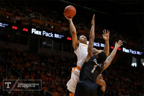 Forward Grant Williams #2 of the Tennessee Volunteers during the game between the Kansas State Wildcats and the Tennessee Volunteers at Thompson-Boling Arena in Knoxville, TN. (Craig Bisacre/Tennessee Athletics)