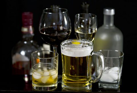 Heavy alcohol drinking habits over the years may prematurely age arteries, especially in men, putting them at an increased risk for heart disease, compared to consistently moderate drinkers. (American Heart Association)