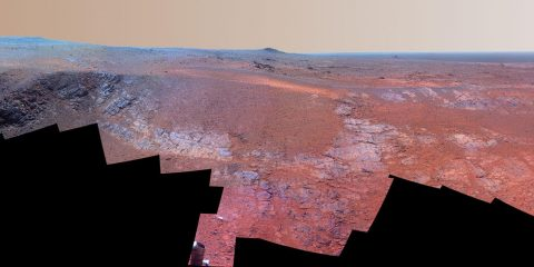 "A grooved ridge called ""Rocheport"" on the rim of Mars' Endeavour Crater spans this scene from the Pancam on NASA's Mars rover Opportunity. (NASA/JPL-Caltech/Cornell Univ./Arizona State Univ.)"