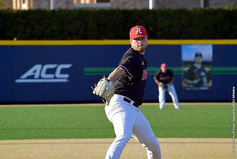 Austin Peay Baseball unable to hold 2 run lead in 5-2 loss against Notre Dame Fighting Irish Friday night. (APSU Sports Information)