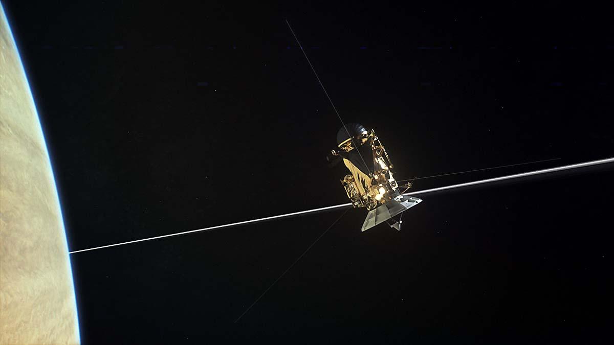 NASA's Cassini Spacecraft discovers little dust between ...
