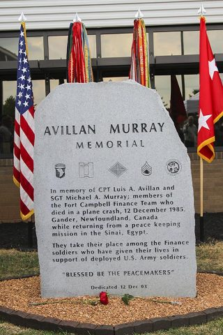 The Avillan Murray memorial was rededicated, June 25, 2017, in front of the Defense Military Pay Office on Fort Campbell, Kentucky by the Soldiers of the 101st Financial Management Support Unit, 101st Special Troops Battalion, 101st Airborne Division (Air Assault) Sustainment Brigade, 101st Abn. Div. (Sgt. Neysa Canfield/101st SBDE Public Affairs)