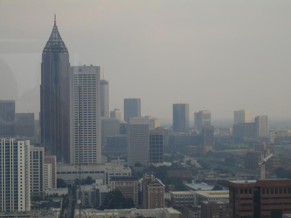 Looking through smog in downtown Atlanta from midtown. (CC BY-SA 2.0, by Flickr user Ben Ramsey)