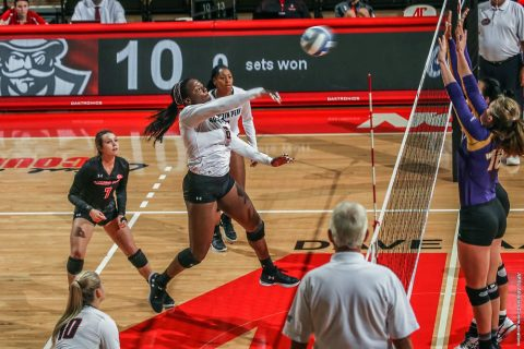 Austin Peay Volleyball beats Georgia State in five sets then takes down UAB in four sets at Blazer Invitational Friday. (APSU Sports Information)