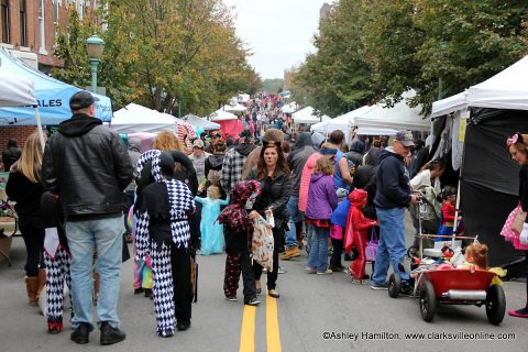 Fright on Franklin packs Downtown Clarksville.