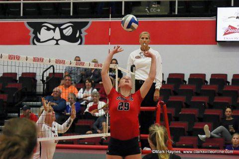 APSU Volleyball's junior setter Kristen Stucker