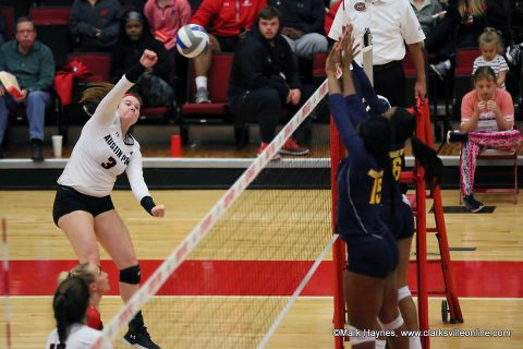 Austin Peay Volleyball freshman outside hitter Brooke Moore had 16 kills in Saturday's win at Morehead State, Saturday.