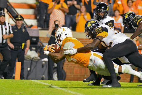 Tennessee Volunteers running back John Kelly (4) dives for a touchdown against the Southern Miss Golden Eagles during the third quarter at Neyland Stadium. (Randy Sartin-USA TODAY Sports)