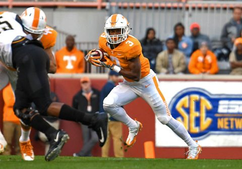 Tennessee Volunteers running back Ty Chandler (3) runs the ball against the Vanderbilt Commodores during the first half at Neyland Stadium. (Randy Sartin-USA TODAY Sports)
