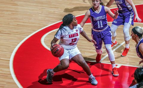 Austin Peay Women's Basketball holds off Evansville for a 82-73 win at the Dunn Center Saturday. (APSU Sports Information)