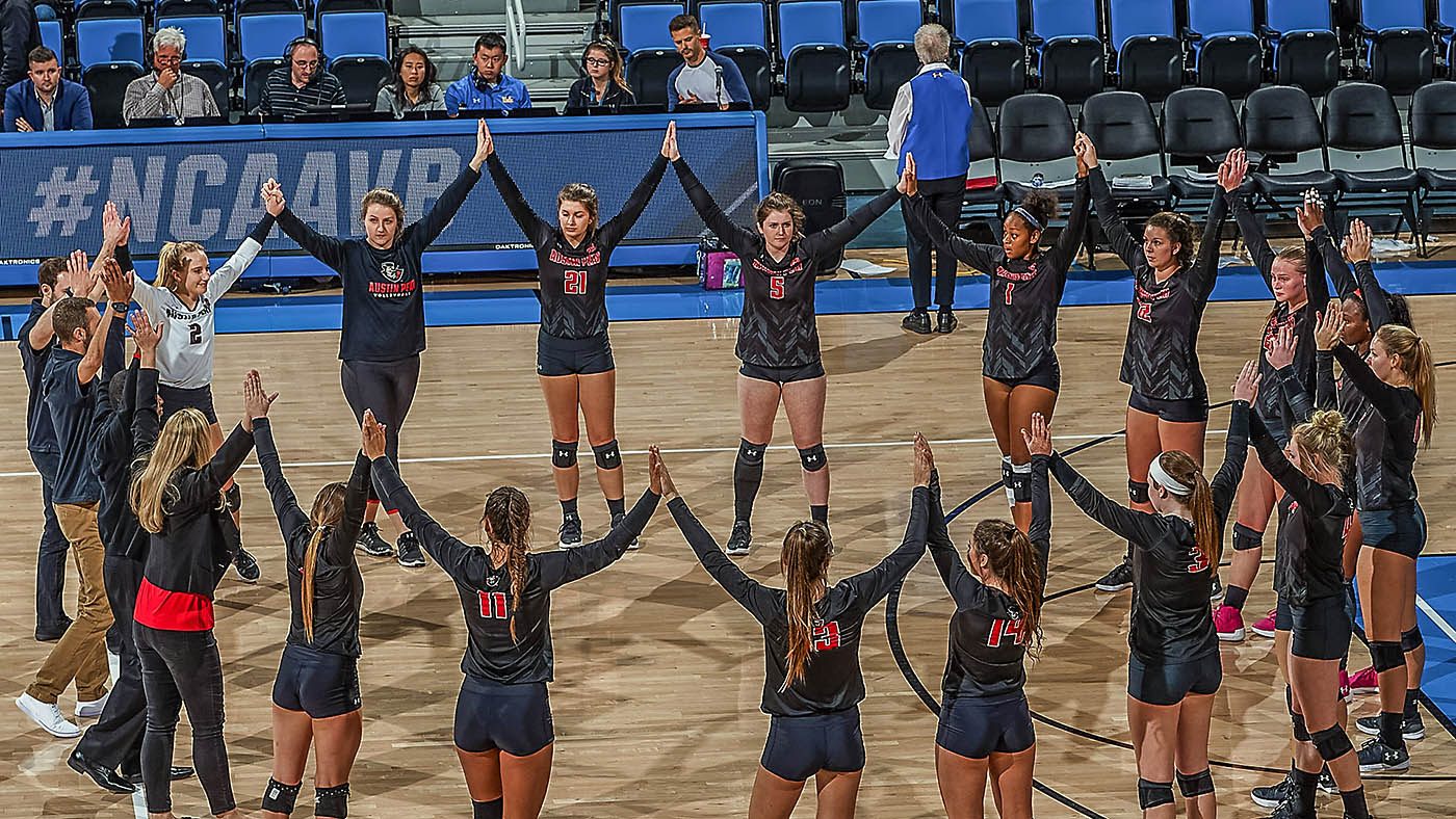 Austin Peay Volleyball falls in the first round of the NCAA Tournament to UCLA. (Don Liebig)