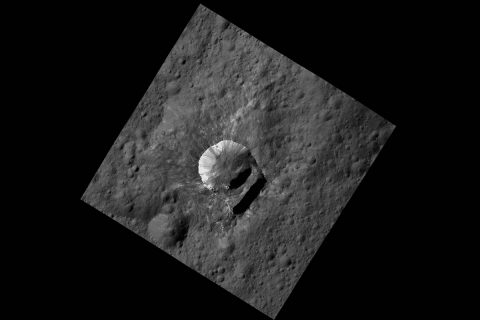 Oxo Crater is an example of bright material found on the rims of a crater on Ceres. (NASA/JPL-Caltech/UCLA/MPS/DLR/IDA/PSI)