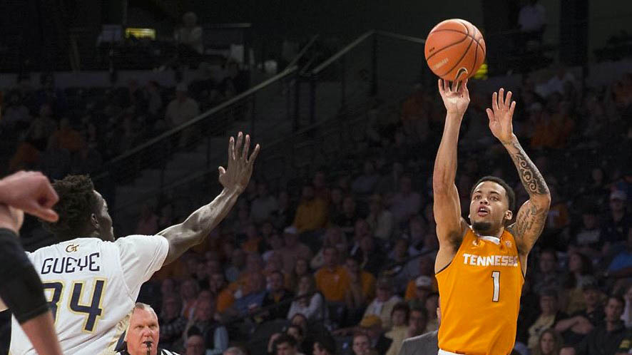 Turner scores 24 and Vols beat Georgia Tech 77-70