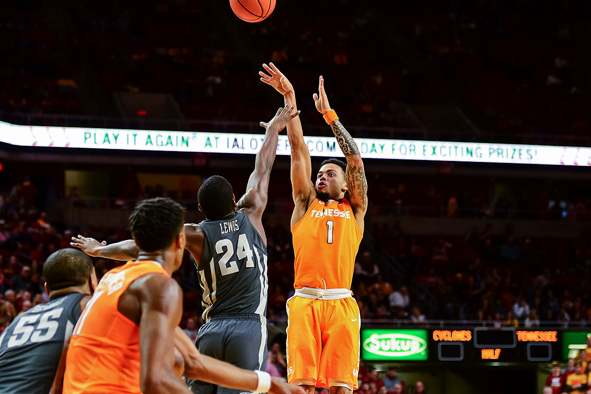 Iowa State's offense non-existent in loss to Tennessee