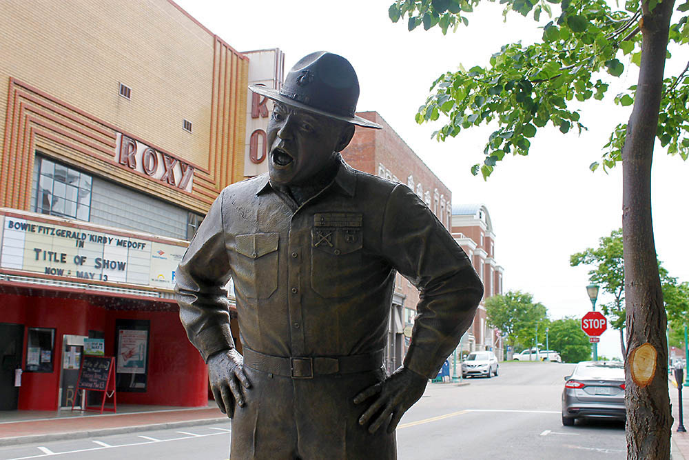 Frank Sutton sculpture on Franlin Street