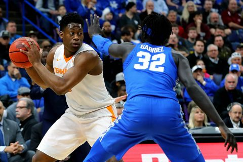 Tennessee Volunteers forward Admiral Schofield (5) handles the ball as Kentucky Wildcats forward Wenyen Gabriel (32) defends during the first half of the SEC Conference Tournament Championship game at Scottrade Center. (Billy Hurst-USA TODAY Sports)