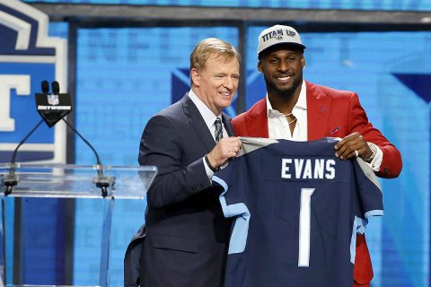 Rashaan Evans (Alabama) with NFL commissioner Roger Goodell after being is selected as the number twenty-two overall pick to the Tennessee Titans in the first round of the 2018 NFL Draft at AT&T Stadium. (Tim Heitman-USA TODAY Sports)