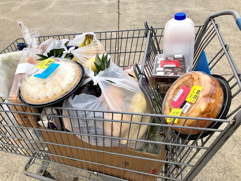 Manna Café Ministries to hold a Mobile Pantry food giveaway on Saturday, October 30th.