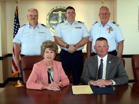 Local mayors and Coast Guard Auxiliary officers gathered recently to proclaim May 19th-25th as Safe Boating Week and encourage residents to get water safety training. Taking part were Clarksville Mayor Kim McMillan, Montgomery County Mayor Jim Durrett; and Coast Guard officers Dale Leighton, William Welty and Fred Gilman.