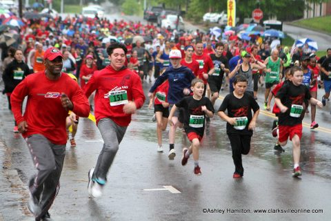 1,200 runners came out Saturday for a rainy Queen City Road Race.