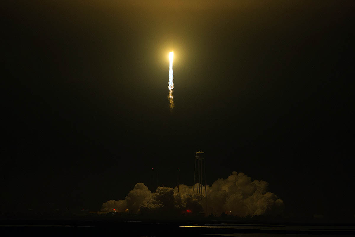 The Orbital ATK Antares rocket, with the Cygnus spacecraft onboard, launches from Pad-0A, Monday, May 21st, 2018 at NASA's Wallops Flight Facility in Virginia. Orbital ATK's ninth contracted cargo resupply mission with NASA to the International Space Station will deliver approximately 7,400 pounds of science and research, crew supplies and vehicle hardware to the orbital laboratory and its crew. NASA/Aubrey Gemignani)