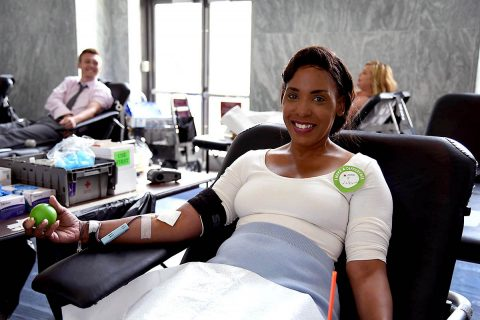 LaDeodra Drummond donates blood. (Jeanette Ortiz-Osorio, American Red Cross)