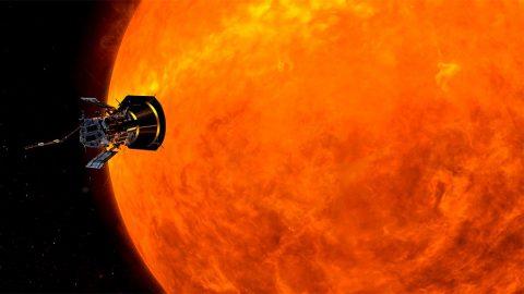 Illustration of NASA's Parker Solar Probe circling the Sun. (NASA/JHUAPL)