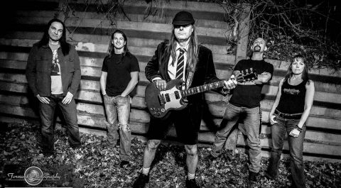 Thunderstruck, an AC/DC Tribute Band headlines Downtown @ Sundown Concert this Friday.