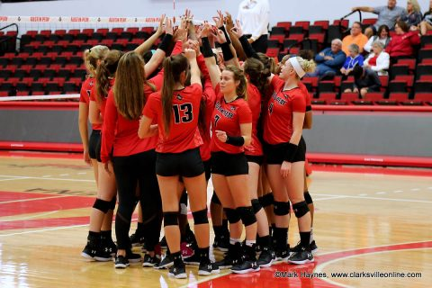 Austin Peay Women's Volleyball gets five set win over UMKC Saturday at the Kangaroo Klassic in Kansas City, MO.