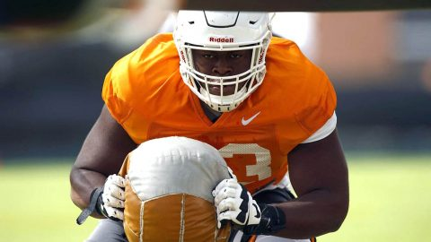 Tennessee Football's offensive lineman Trey Smith and redshirt junior wide receiver Jauan Jennings return to full practice. (UT Athletics)