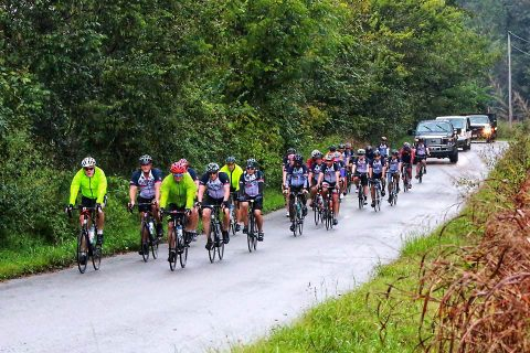 Fort Campbell Warrior Transition Battalion Soldiers and cadre participating in the 5th Annual Bluegrass Rendezvous endurance ride September 27th, make their way along the backroads of Kentucky during day one of the two-day endurance ride. (Rita Peters)