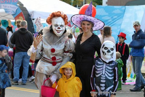 6,000 people enjoyed beautiful weather and great costumes Saturday at the 10th Annual Fright on Franklin in Downtown Clarksville.