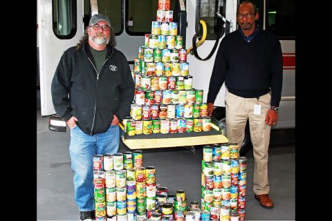 Basket of Thankfulness helps Manna Cafe serve people in need.