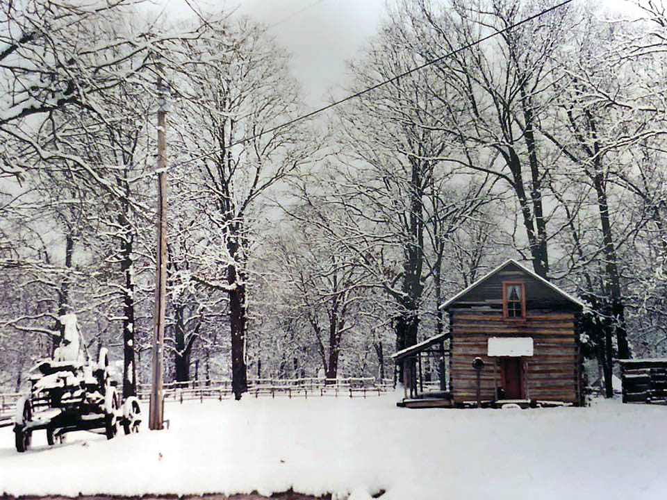 Historic Collinsville Candlelight Christmas tours to be hold for December 14th-15th.