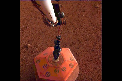 NASA's InSight lander placed its seismometer on Mars on December 19th, 2018. This was the first time a seismometer had ever been placed onto the surface of another planet. (NASA/JPL-Caltech)