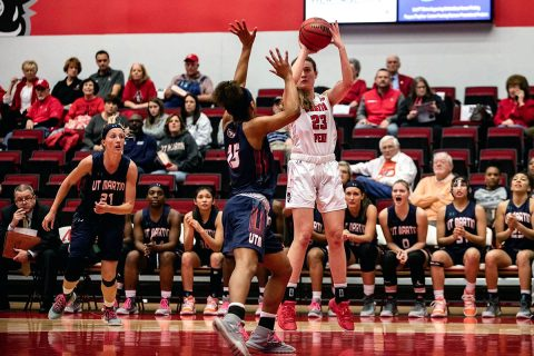 Austin Peay Women's Basketball freshman Maggie Knowles knocks down a three Saturday afternoon against UT Martin. (APSU Sports Information)