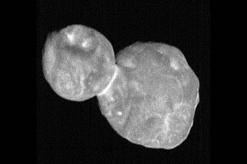 This processed, composite picture combines seven individual images taken with the New Horizons Long Range Reconnaissance Imager (LORRI), each with an exposure time of 0.025 seconds, just 19 minutes before the spacecraft's closest approach to Ultima Thule (officially named 2014 MU69). (NASA/Johns Hopkins Applied Physics Laboratory/Southwest Research Institute, National Optical Astronomy Observatory)