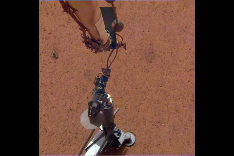 NASA's InSight lander set its heat probe, called the Heat and Physical Properties Package (HP3), on the Martian surface on Feb. 12, 2019. (NASA/JPL-Caltech/DLR)