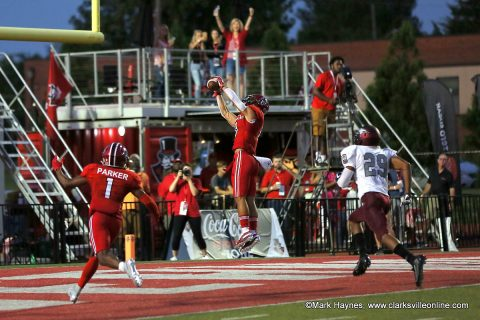 APSU Football wide receiver DeAngelo Wilson catches a 25 yard touchdown pass from Jeremiah Oatsvall to put the Govs on the scoreboard in the 1st quarter.