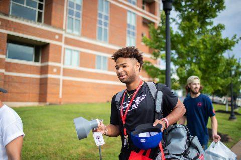 Freshmen move in day at Austin Peay State University. (APSU)